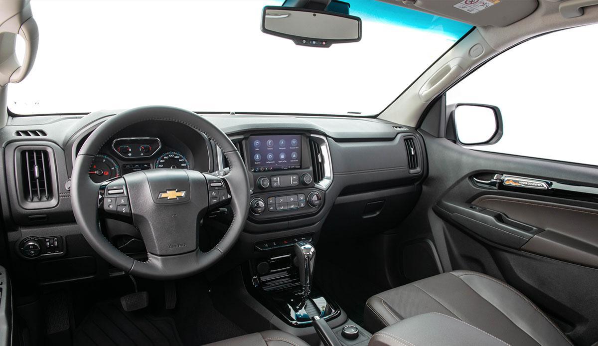 interior-s10